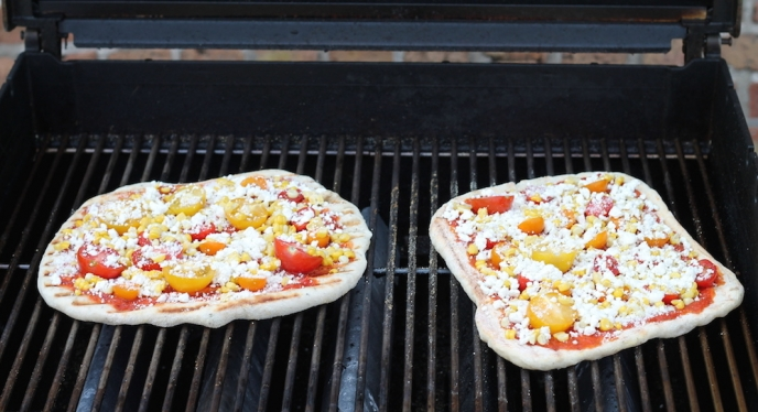 Easy Weeknight Grilled Flatbread Pizza