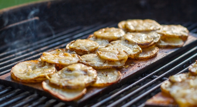 Planked Garlic & Parmesan Potato Chips