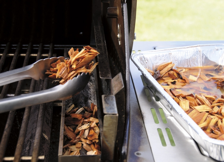 how to smoke wood chips on a gas grill